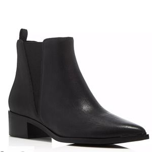 MARC FISHER Yale Chelsea leather boot 10 b…